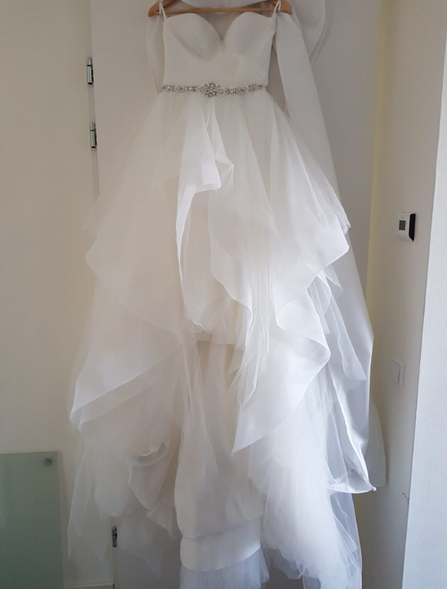 White One – Strapless Sweetheart trouwjurk – 1x gedragen