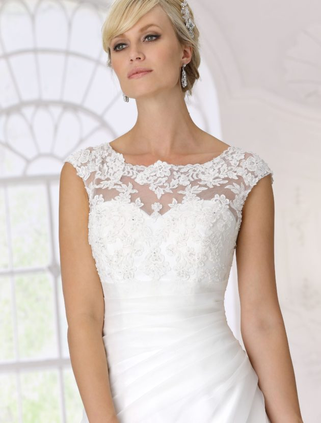 Tres Chic 9137 SN collectie 2017 incl. hoepel