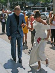 Klassieke Jesus Peiro trouwjurk met afneembare kraag maat 40