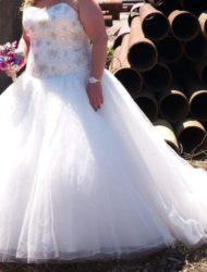 Prachtige trouwjurk Madeline gardner 2018 mt48