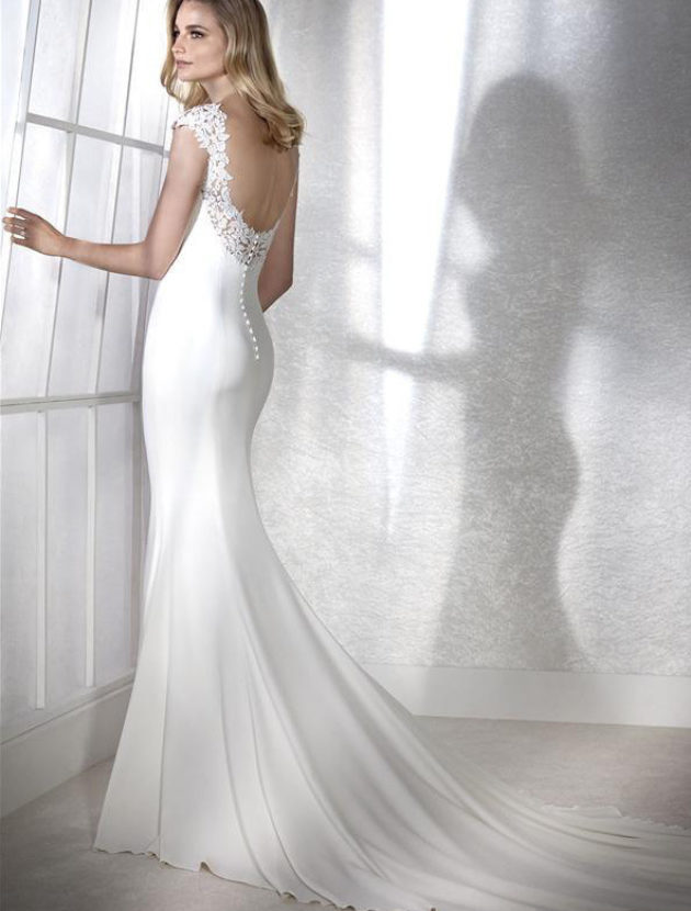 Trouwjurk Pronovias, model White One 'Fiana', maat 38