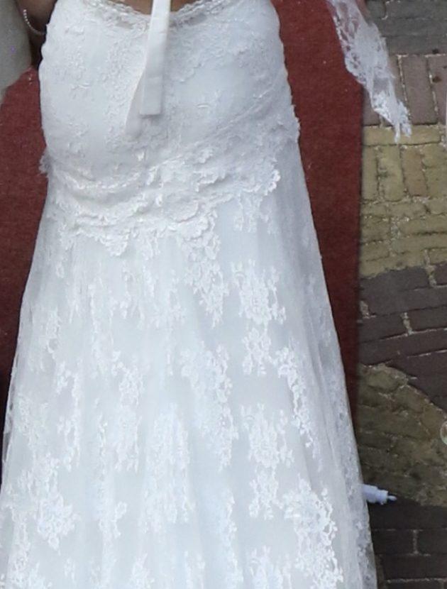 Schitterende frans kanten trouwjurk van Atelier Indulgence
