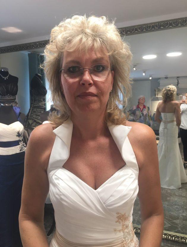 Mooie handgemaakte trouwjurk