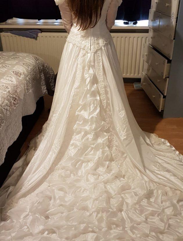 Vintage trouwjurk met pofmouwen
